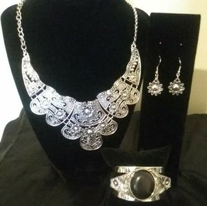 Silver costume jewelry nickel and lead free